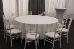 stůl kulatý průměr 180 cm, 10 židlí chiavari, pronájem Štefek