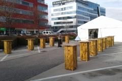 dřevěné standby stolky, bistrostolky, pártystan, firemní akce, pronájem Štefek